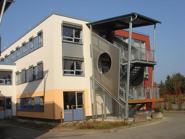 Neu sanierte Regelschule in Crock